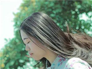 【美女秀�觥奎S小崽