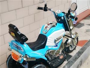 出售一辆二手儿童电动三轮车