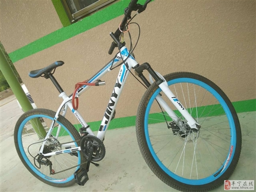 出售一臺山地自行車