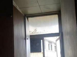 小广场附近1室1厅1卫500元/月拎包入住