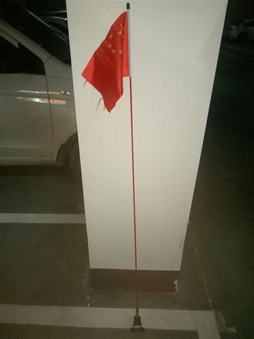 汽车尾部装饰天线,一米五高   刚买两三天    在车上安了一天!!!!