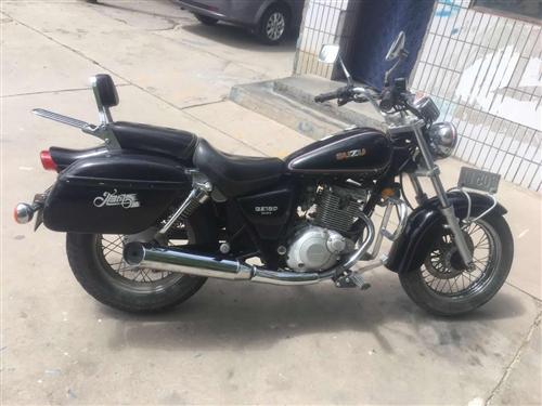 闲置摩托车出售 10年铃木轻骑,150发动机手续齐全。全车原车漆,发动机没动过,行驶三万多公里急于出...