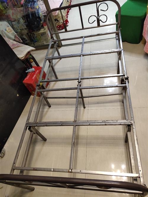 二手折疊鐵架床1米×1.9米不議價自提      鐵力婦幼保健院斜對過