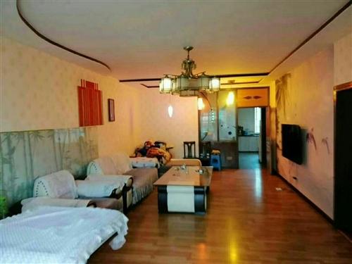 城北路附近,150平米,3室2厅1厨2卫,精装修关门卖,售介,52.8万,