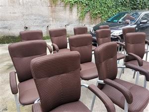 �_麻���^的凳子,��F的架子,坐著很舒服;�有�C器麻�⒊鍪郏��r格便宜,需要的可打��咨�。�I得越多越便...