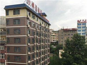 龙井路延长线五六楼4室 2厅 2卫2万每年
