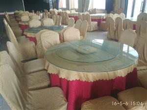 酒店不干了,便宜出售大量桌子椅子。