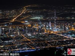 英飞行员万米高空航拍大都市绚丽夜景