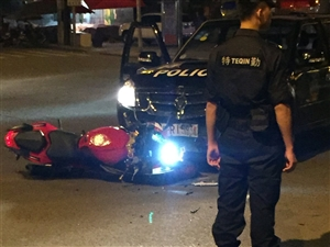 昨晚新政发生一起车祸
