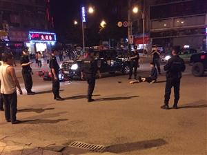 昨晚新政发生一起车祸 特警车与摩托车相撞