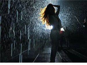 潢川下了一场雨,但是我们都没有湿!520你还欠我一场雨中漫步...