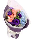 紫色年华――――11枝粉玫瑰,浅蓝色绣球1枝,紫色洋桔梗、银叶菊适量