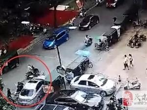 高州发生小车拒检狂撞警车逃逸,上演飙车狂奔!