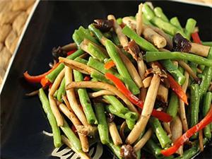茶树菇炒豆角