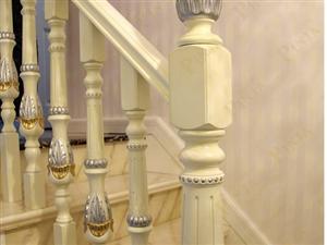 别墅楼梯雕花小柱楼梯 白色欧式实木楼梯 原木门案例欣赏