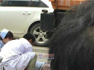 512斑马线车祸,一老人遭运渣车撞得太惨了