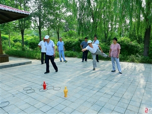 葡京娱乐老干部局第十三支部庆祝建党95周年健身运动会剪影