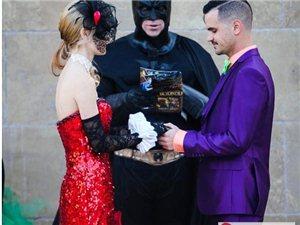 美国德州夫妇举办蝙蝠侠主题婚礼