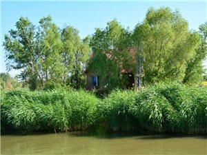 快乐徒步,圣水湖畔,芦荡竹筏,景美如画16-07-02