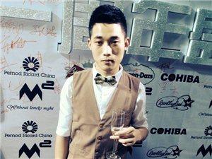 【帅男秀场】贾核格26岁摩羯座舞美灯光师