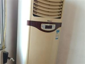 空调低价出售龙洲新旧货买卖(新武装部水泥店旁)