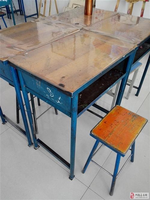 學生桌凳,低價出售,20元/套