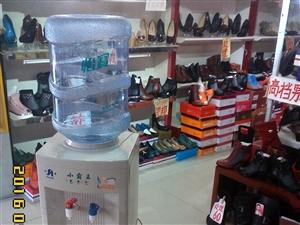 低价处理小霸王抑菌型饮水机。送怡宝9成新水桶一只。
