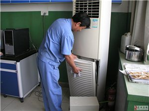 崇州中央空调吸顶机风管机机电制冷设备大型洗碗机维修