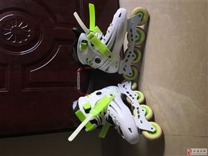 出售99成新酷炫轮滑鞋只用过一次