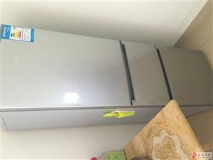 Homa品牌三开门冰箱几乎全新优惠出售