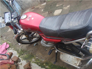 七成新125摩托车700元就卖
