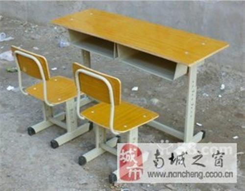 本人承接各种高、中档学生单人双人课桌椅、书架、办公