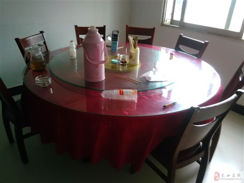 急出售餐館廚房用具原料以及桌椅板凳等
