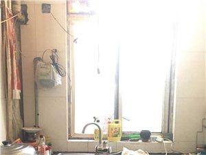 百盛附近3室1厅1卫1250元/月