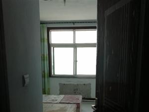 ��居水岸3室2�d1�l666元/月家具�R全