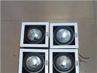 二手灯具处理,射灯轨道灯共30盏 处理.,原价300多一个的现价50,有部分全新的,需要的联系(15...