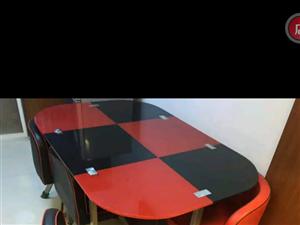 餐桌��四把椅子,�e置,占地,�D�o需要的人