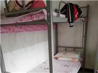 本人有學生架子床出售,九成新。共十套。有意者電聯。