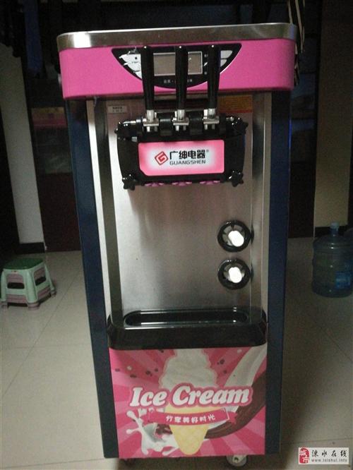 三头冰激凌机,用了不到三个月,因去外地发现现在出售,?#34892;?#35201;的联系我吧!