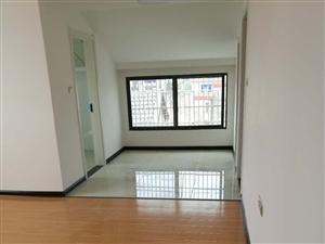 公园路小学附近2室 2厅 1卫13.8万元